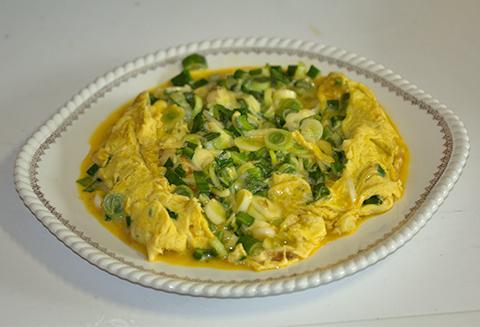Omelette cébettes basebio